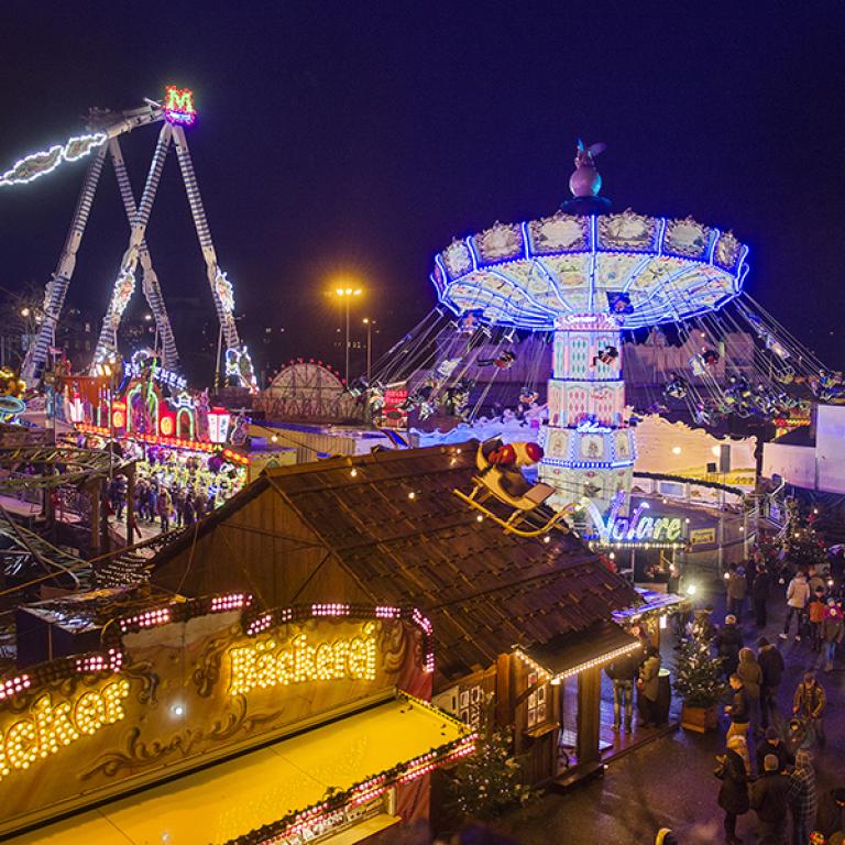 Weihnachtsmarkt In Rostock.Attraktionen Rostocker Weihnachtsmarkt